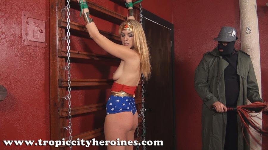 Wonder Woman In Dark Times From Tropic City Heroines -7946