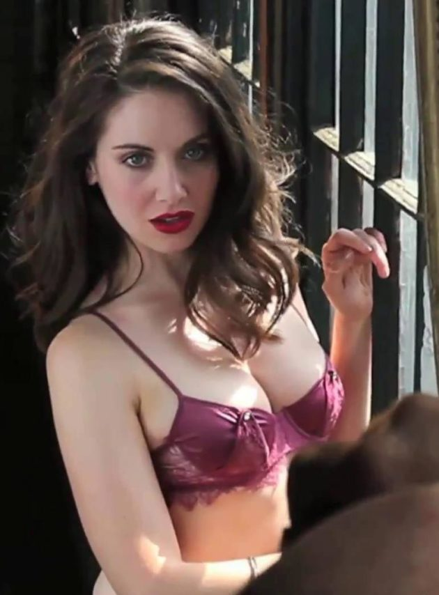 GLOW-Alison-Brie-5