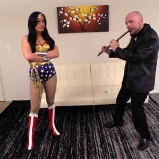 "Fighting Heroines'""Wonder Woman vs The Pied Piper"""