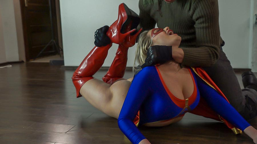 Naughty super heroines — img 5