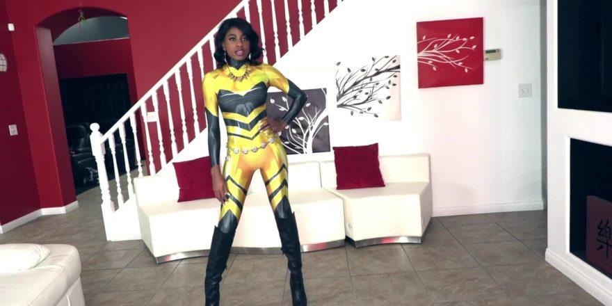 Vixen-Can-Not-Resist-her-Primal-Instincts-492-880x440.jpg